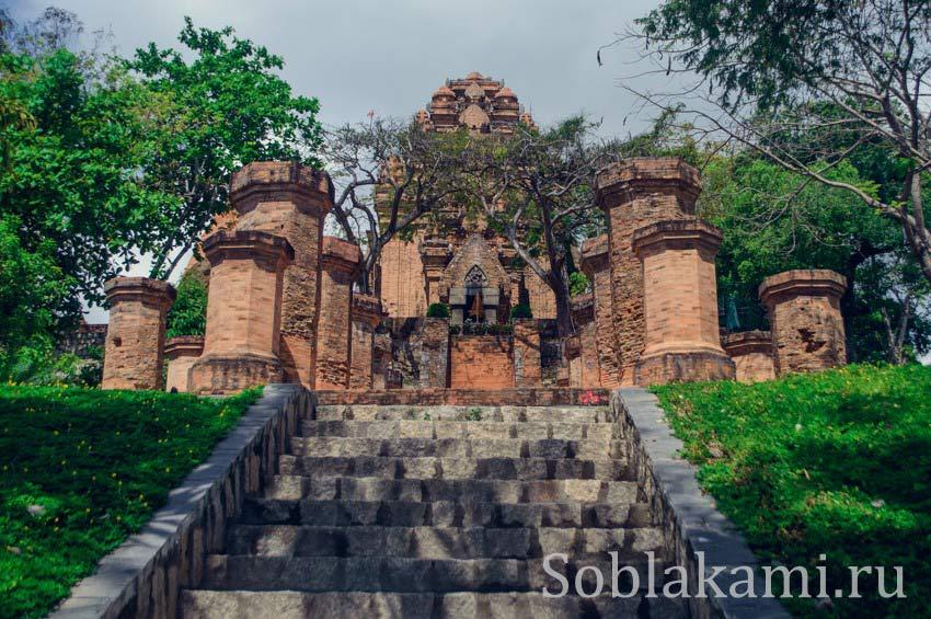 Чамские башни По Нагар в Нячанге: мистические древности