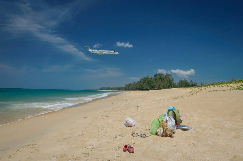 пляж Май Као воЕле аэропорта на Пхукете, фото
