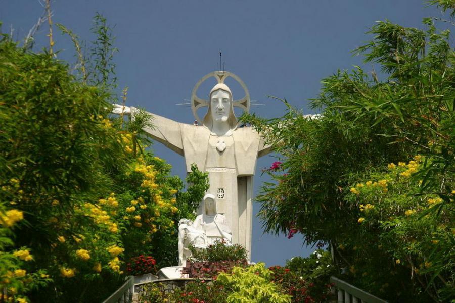 статуя Христа в Вунгтау, Вьетнам