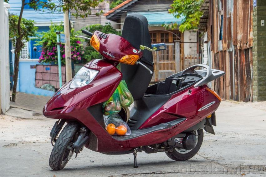 """наш байк """"Мамазита"""", купленная в Вунгтау за 350 долларов и перепроданная через месяц"""